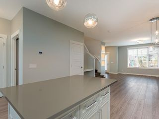Photo 7: 138 SKYVIEW Circle NE in Calgary: Skyview Ranch Row/Townhouse for sale : MLS®# C4264794