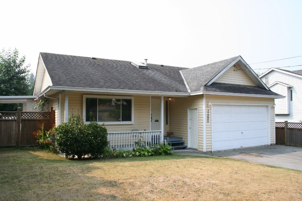 Main Photo: 32486 14TH Avenue in Mission: Mission BC House for sale : MLS®# R2196403