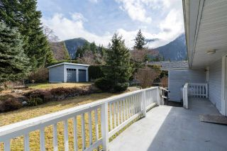 "Photo 13: 38200 HOSPITAL Place in Squamish: Hospital Hill House for sale in ""Hospital Hill"" : MLS®# R2440002"