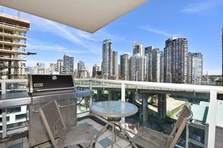 """Main Photo: 1209 1500 HOWE Street in Vancouver: Yaletown Condo for sale in """"The Discovery"""" (Vancouver West)  : MLS®# R2593103"""
