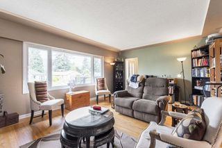 "Photo 3: 972 BALBIRNIE Boulevard in Port Moody: Glenayre House for sale in ""Glenayre"" : MLS®# R2504269"