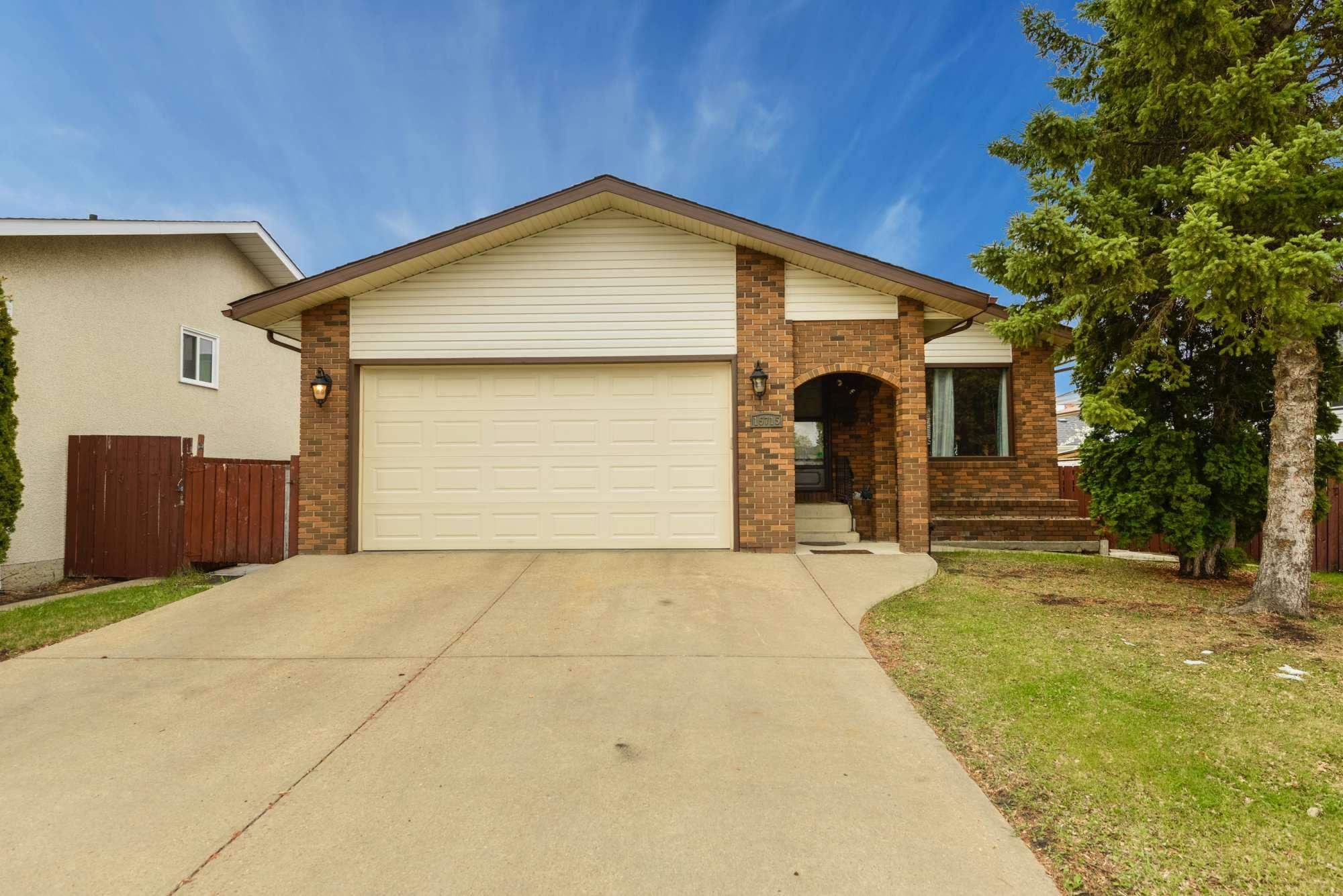 Main Photo: 15715 100 Street in Edmonton: Zone 27 House for sale : MLS®# E4245133