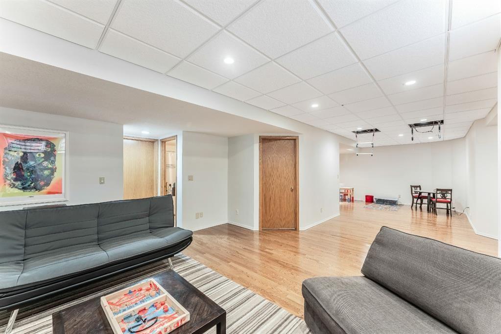 Photo 39: Photos: 91 Oakmount Court SW in Calgary: Oakridge Detached for sale : MLS®# A1090309