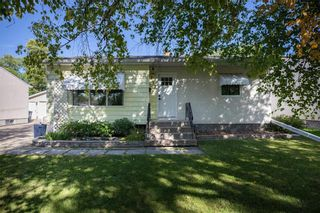 Photo 1: 791 Autumnwood Drive in Winnipeg: Windsor Park Residential for sale (2G)  : MLS®# 202023248