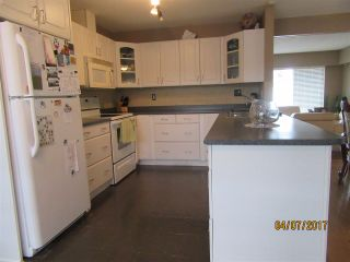 Photo 2: 18026 59 Avenue in Surrey: Cloverdale BC House for sale (Cloverdale)  : MLS®# R2152969
