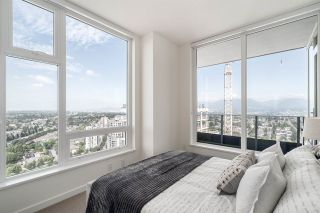 """Photo 13: 3202 5515 BOUNDARY Road in Vancouver: Collingwood VE Condo for sale in """"Wall Centre Central Park"""" (Vancouver East)  : MLS®# R2208071"""