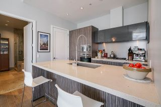 """Photo 8: 2 ATHLETES Way in Vancouver: False Creek Townhouse for sale in """"KAYAK-THE VILLAGE ON THE CREEK"""" (Vancouver West)  : MLS®# R2564490"""