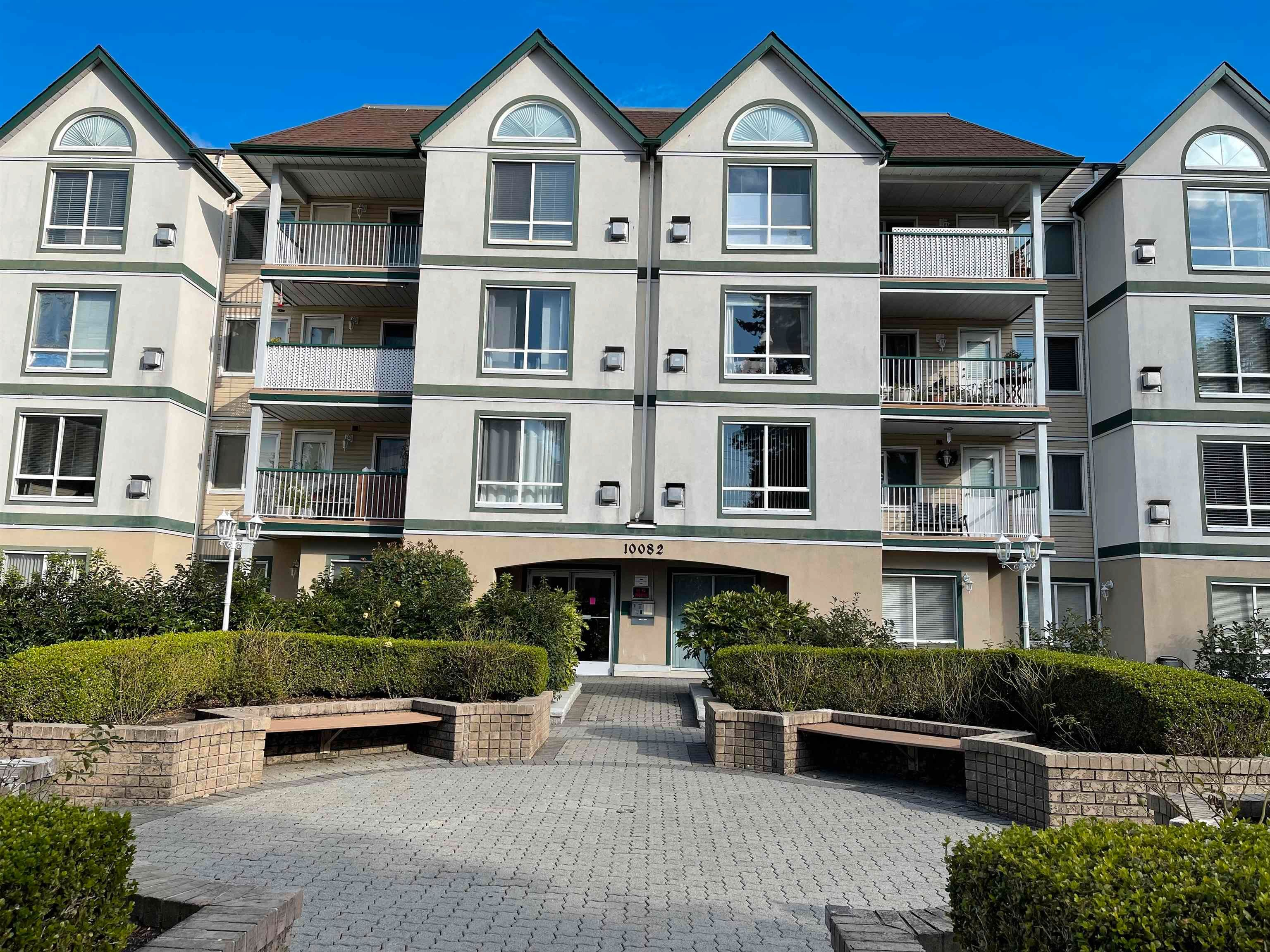 """Main Photo: 203 10082 132 Street in Surrey: Whalley Condo for sale in """"MELROSE COURT"""" (North Surrey)  : MLS®# R2623743"""
