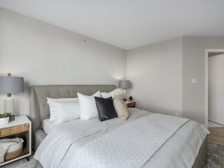 "Photo 13: 2606 1201 MARINASIDE Crescent in Vancouver: Yaletown Condo for sale in ""THE PENINSULA"" (Vancouver West)  : MLS®# R2363085"