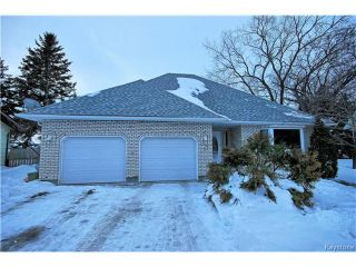 Photo 1: 17 Cedar Crescent in Morris: R17 Residential for sale : MLS®# 1701464
