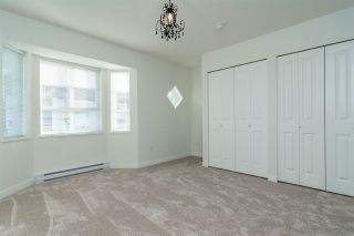 """Photo 15: 37 8438 207A Street in Langley: Willoughby Heights Townhouse for sale in """"YORK By Mosaic"""" : MLS®# R2211838"""
