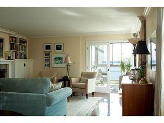 Photo 3: 302 2108 Argyle Avenue in Navvy Jack West: Dundarave Home for sale ()  : MLS®# V987824