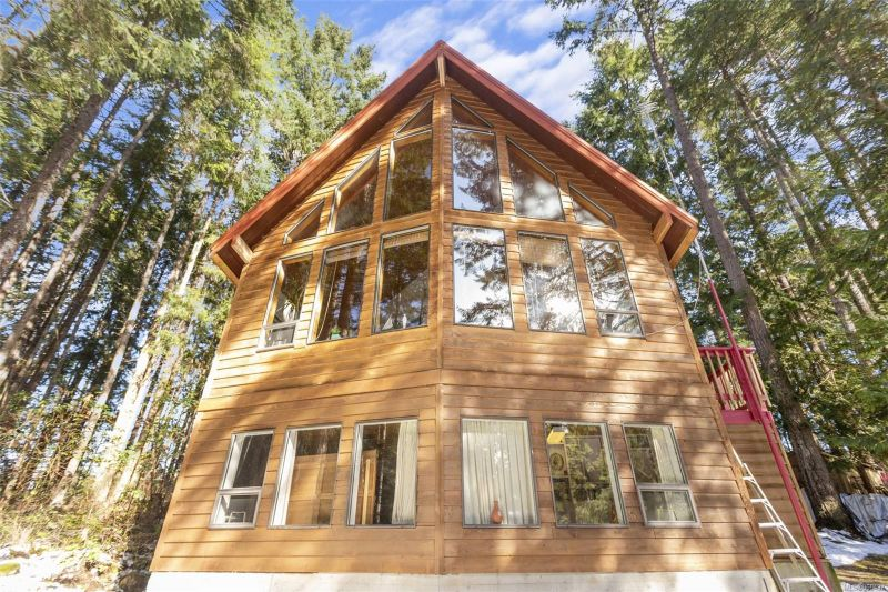 FEATURED LISTING: 2991,2969 Yellow Point Rd Southeast