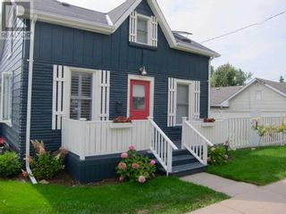 Photo 2: 201 BAY ST in Cobourg: House for sale : MLS®# X5357400