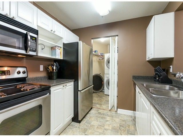 Photo 12: Photos: 414 5765 GLOVER Road in Langley: Langley City Condo for sale : MLS®# F1402300