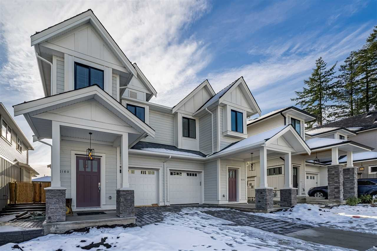 "Main Photo: 16176 87 Avenue in Surrey: Fleetwood Tynehead Townhouse for sale in ""FLEETWOOD DUPLEXES"" : MLS®# R2432421"