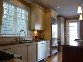 Photo 3: 3487 West 27th Avenue in Vancouver: Home for sale : MLS®# V699989