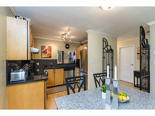 Photo 6: 14 838 TOBRUCK Avenue in North Vancouver: Hamilton Townhouse for sale : MLS®# V1095285
