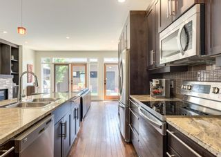 Photo 9: 3322 41 Street SW in Calgary: Glenbrook Detached for sale : MLS®# A1122385