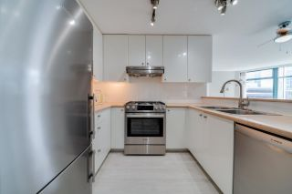 """Photo 12: 702 4567 HAZEL Street in Burnaby: Forest Glen BS Condo for sale in """"THE MONARCH"""" (Burnaby South)  : MLS®# R2613040"""