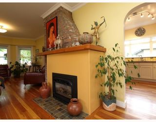 Photo 7: 429 E 6TH Street in North_Vancouver: Lower Lonsdale House for sale (North Vancouver)  : MLS®# V777007