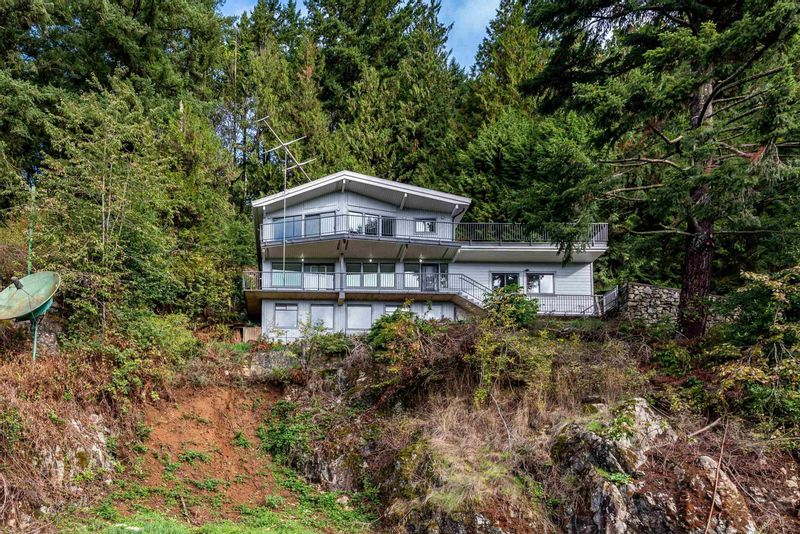 FEATURED LISTING: 47005 YALE Road Chilliwack