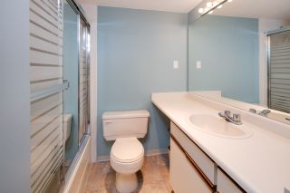 """Photo 17: C1 1100 W 6TH Avenue in Vancouver: Fairview VW Townhouse for sale in """"Fairview Place"""" (Vancouver West)  : MLS®# R2141815"""