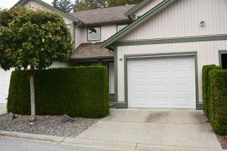Photo 1: 46 735 PARK Road in Gibsons: Gibsons & Area Townhouse for sale (Sunshine Coast)  : MLS®# R2497875