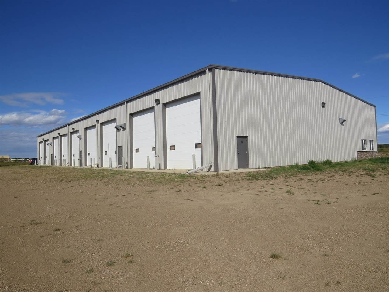 Main Photo: 4707 43 Avenue: Hardisty Industrial for sale : MLS®# E4213479