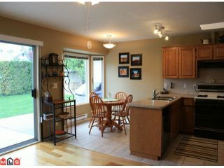 Photo 12: 8283 MAHONIA Street in Mission: Mission BC House for sale : MLS®# F1011331