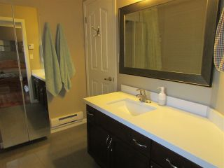 """Photo 10: 215 74 MINER Street in New Westminster: Fraserview NW Condo for sale in """"FRASERVIEW PARK"""" : MLS®# R2105993"""