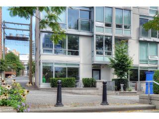"""Photo 10: 1473 HOWE Street in Vancouver: Yaletown Townhouse for sale in """"THE POMARIA"""" (Vancouver West)  : MLS®# V910329"""