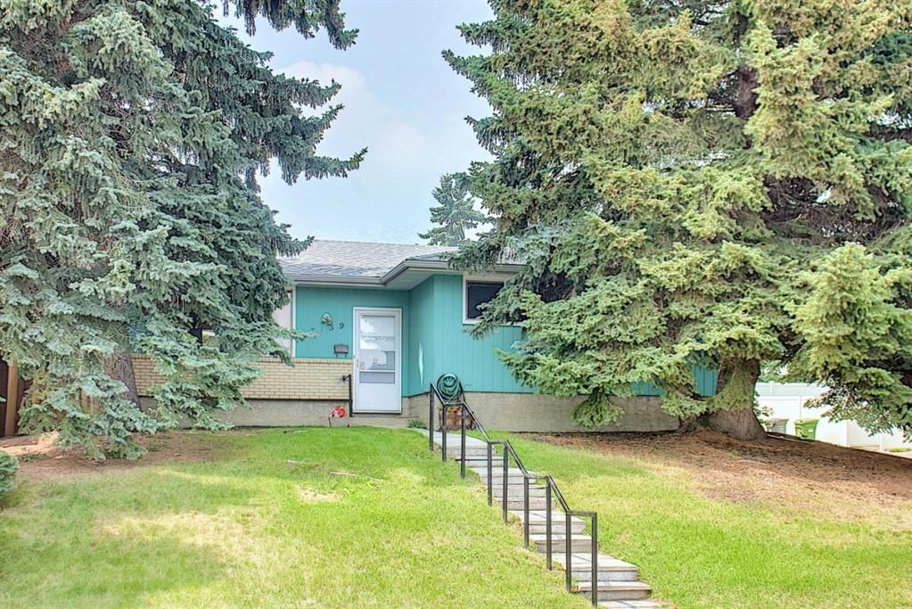 Main Photo: 7139 Hunterwood Road NW in Calgary: Huntington Hills Detached for sale : MLS®# A1131008