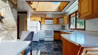 Photo 11: 41772 GOVERNMENT Road in Squamish: Brackendale House for sale : MLS®# R2603967