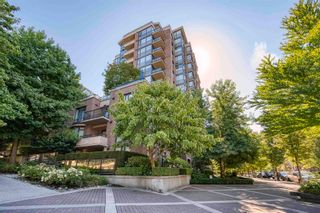 """Photo 1: 1009 170 W 1ST Street in North Vancouver: Lower Lonsdale Condo for sale in """"ONE PARK LANE"""" : MLS®# R2605831"""