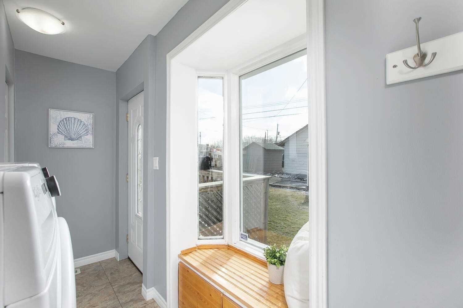 Photo 5: Photos: 181 Beach Road in Georgina: Keswick North House (Bungalow) for sale : MLS®# N5172927