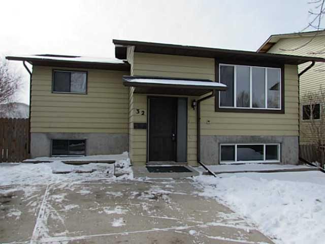 Main Photo: 32 FALLINGWORTH Place NE in CALGARY: Falconridge Residential Detached Single Family for sale (Calgary)  : MLS®# C3606049
