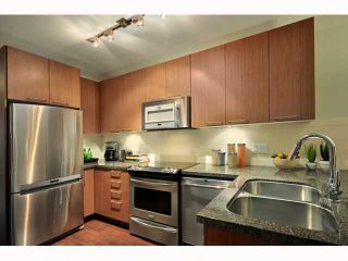 """Photo 6: 310 2008 E 54TH Avenue in Vancouver: Fraserview VE Condo for sale in """"CEDAR54"""" (Vancouver East)  : MLS®# V819372"""