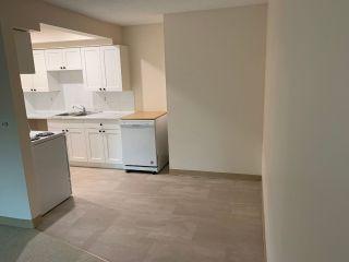 Photo 4: 304 33956 ESSENDENE Avenue in Abbotsford: Central Abbotsford Condo for sale : MLS®# R2508613