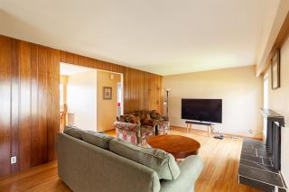 Photo 5: 808 E 4TH Street in North Vancouver: Queensbury House for sale : MLS®# R2589883