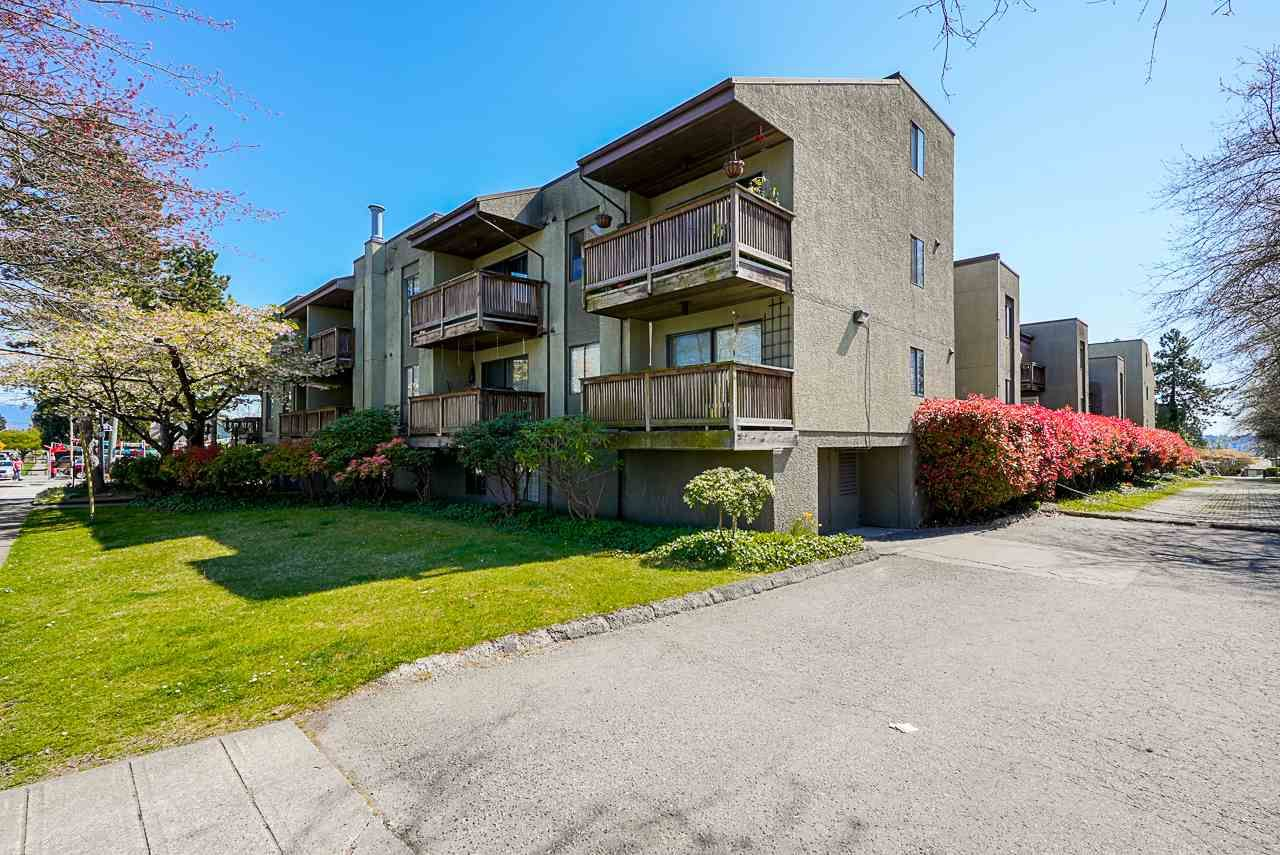 "Main Photo: 123 1202 LONDON Street in New Westminster: West End NW Condo for sale in ""LONDON PLACE"" : MLS®# R2569504"