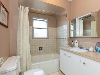 Photo 11: 2681 E 4TH Avenue in Vancouver: Renfrew VE House for sale (Vancouver East)  : MLS®# R2605962
