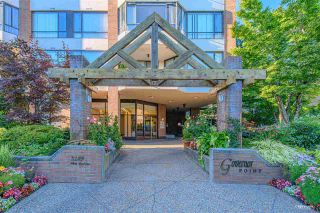 """Photo 2: 404 2189 W 42ND Avenue in Vancouver: Kerrisdale Condo for sale in """"Governor Point"""" (Vancouver West)  : MLS®# R2494656"""