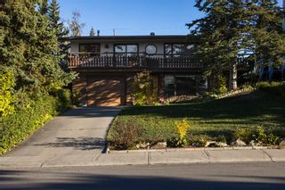 Main Photo: 2524 Chateau Place NW in Calgary: Charleswood Detached for sale : MLS®# A1149227