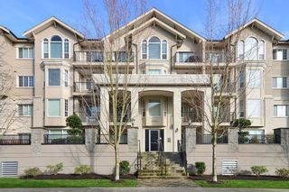 Photo 1: 101 20281 53A Avenue in Langley: Langley City Condo for sale : MLS®# R2444359