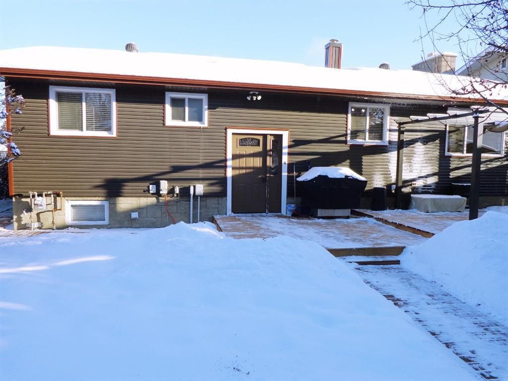 Photo 26: Photos: 5856 West Park Crescent in Red Deer: West Park Residential for sale : MLS®# A1067266