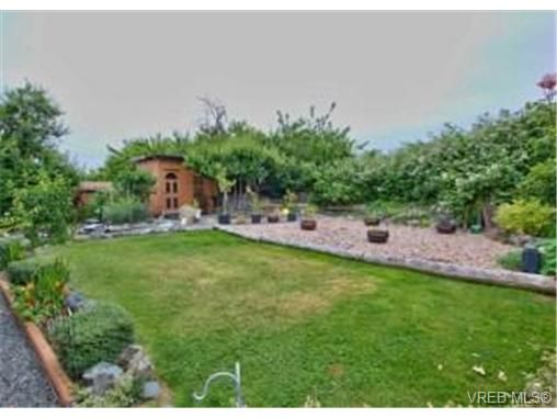 Main Photo: 69C Cooper Rd in VICTORIA: VR Glentana Manufactured Home for sale (View Royal)  : MLS®# 700393