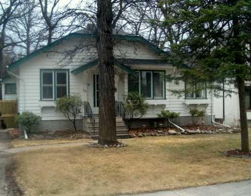 Main Photo: 40 KINGSTON Row in WINNIPEG: St Vital Single Family Detached for sale (South East Winnipeg)  : MLS®# 2706025