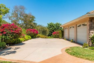 Photo 3: FALLBROOK House for sale : 3 bedrooms : 2201 Dos Lomas