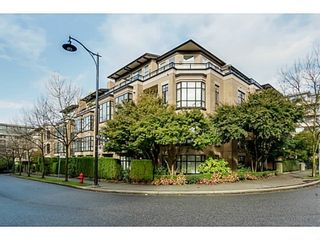Photo 15: 302 2175 SALAL Drive in Vancouver West: Home for sale : MLS®# V1102968